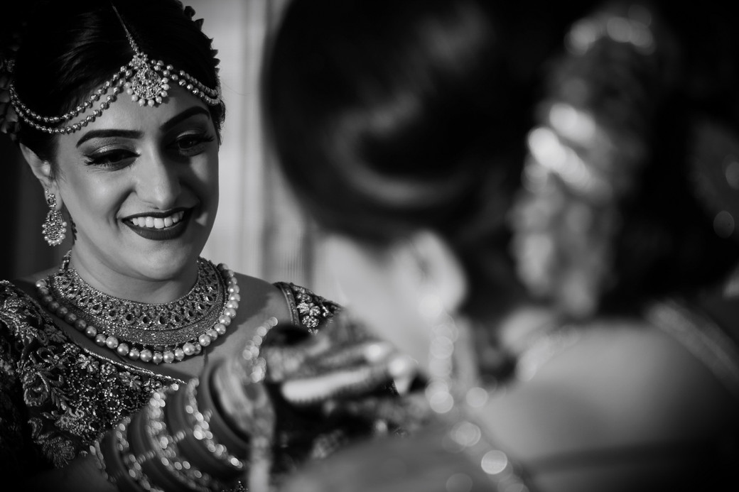mother-helping-indian-bride