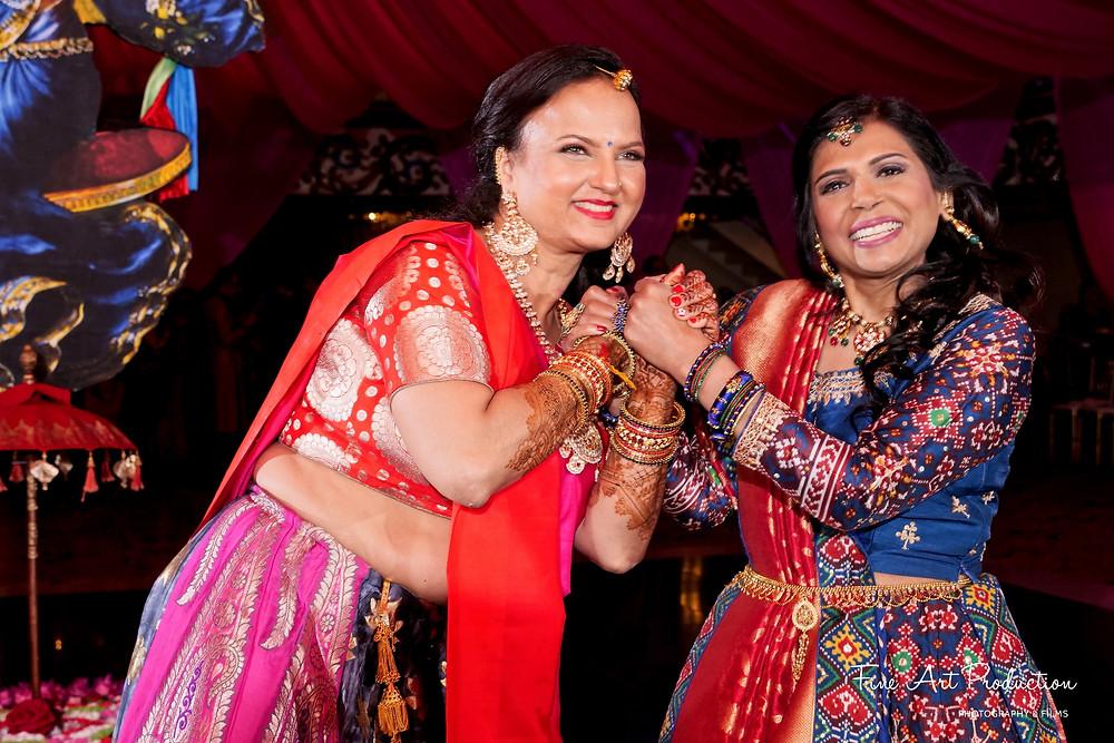 gujarati wedding garba