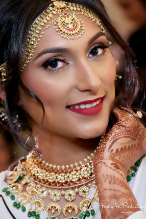 indian-bride-getting-ready-pictures_155.