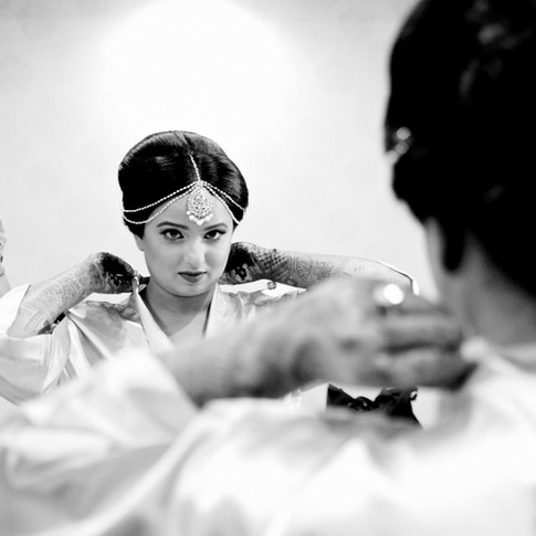 indian-bride-getting-ready-pictures_165.