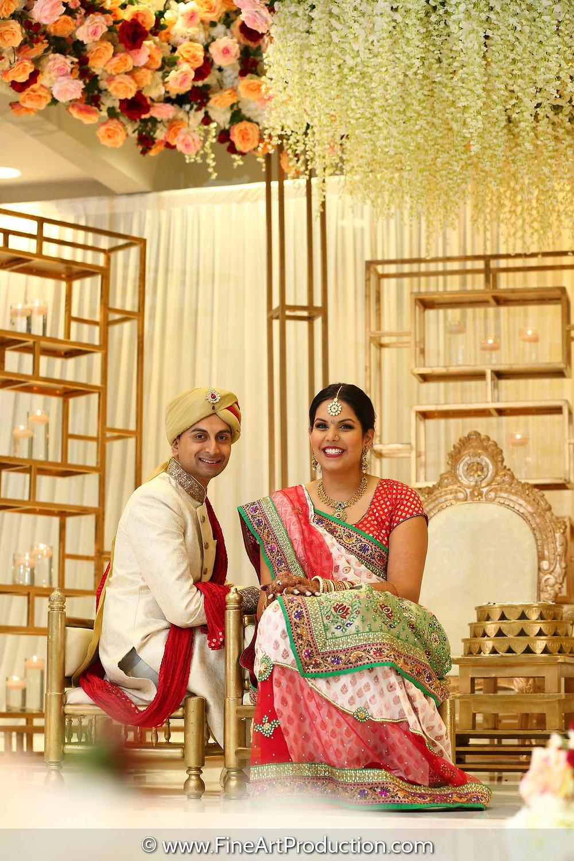 Indian Bride wearing Gujarati Panetar Saree