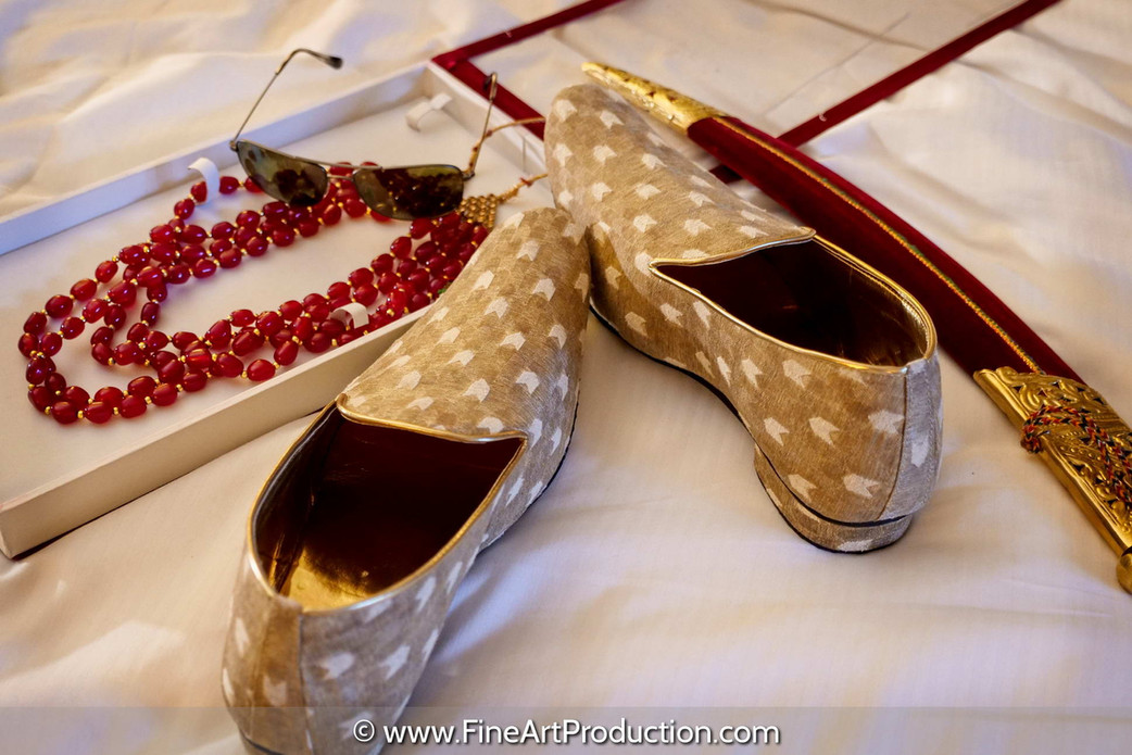 photographing-indian-groom's-details