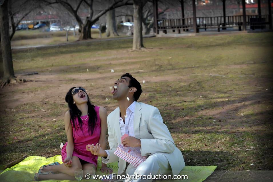 picnic-themed-engagement-photoshoot