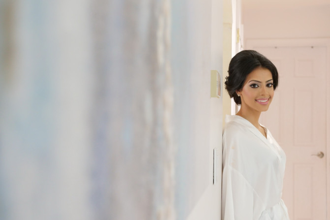 indian-bride-getting-ready-pictures_84.J