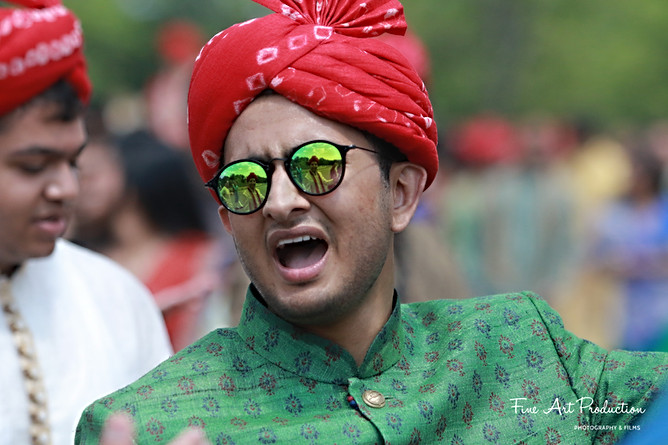 baarat-varghodo-dance-indian-wedding