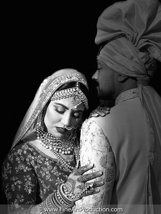 creative-black-and-white-wedding-portraits
