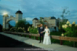 legacy-castle-exterior-photos-with-coupl