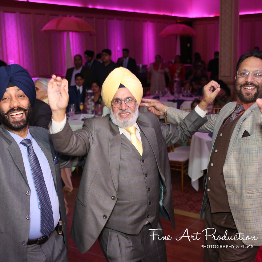 Indian-Wedding-Reception-Deewan-Fine-Art-Production_32