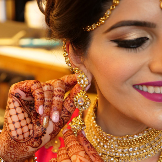 indian-bride-getting-ready-pictures_171.