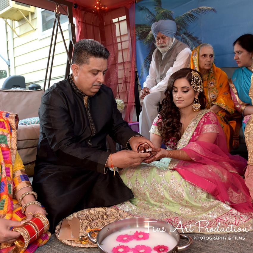 Indian-Wedding-Sangeet-Deewan-Fine-Art-Production_27