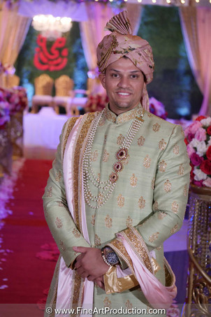 indian-groom-wearing-sabyasachi-style