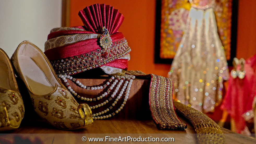 indian-bride-getting-ready-pictures_142.
