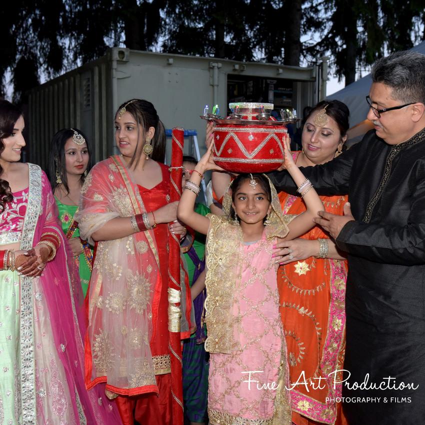 Indian-Wedding-Sangeet-Deewan-Fine-Art-Production_30