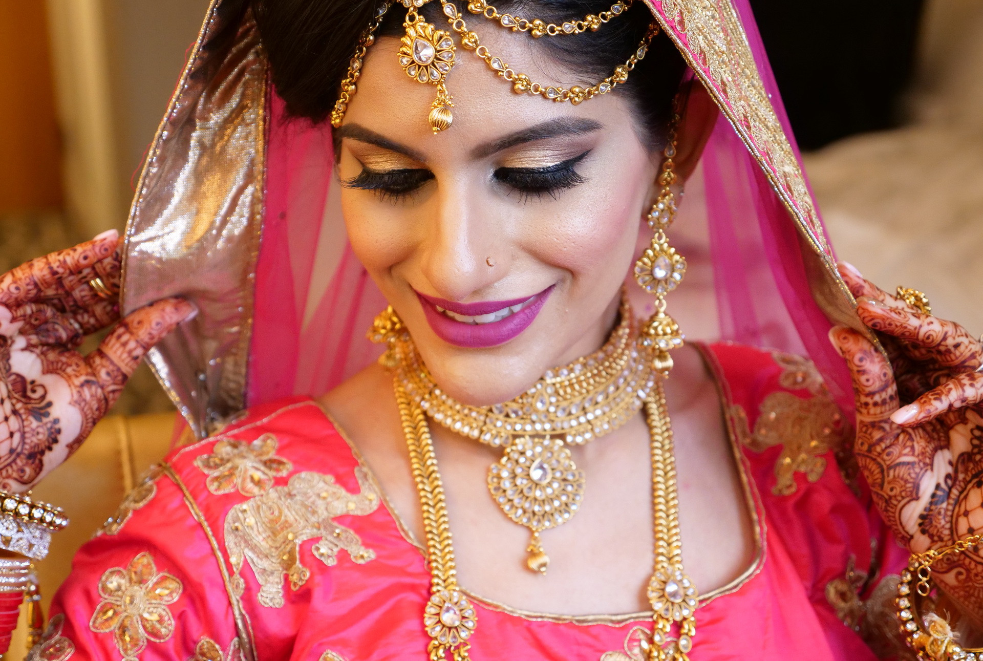 indian-bride-getting-ready-pictures_180.