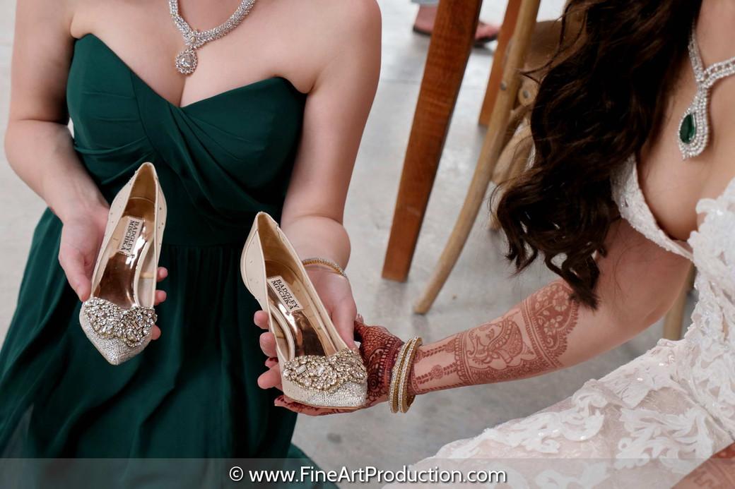 badgley-mischka-white-bridal-shoes_003.j