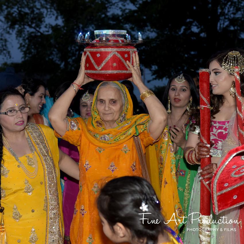 Indian-Wedding-Sangeet-Deewan-Fine-Art-Production_32