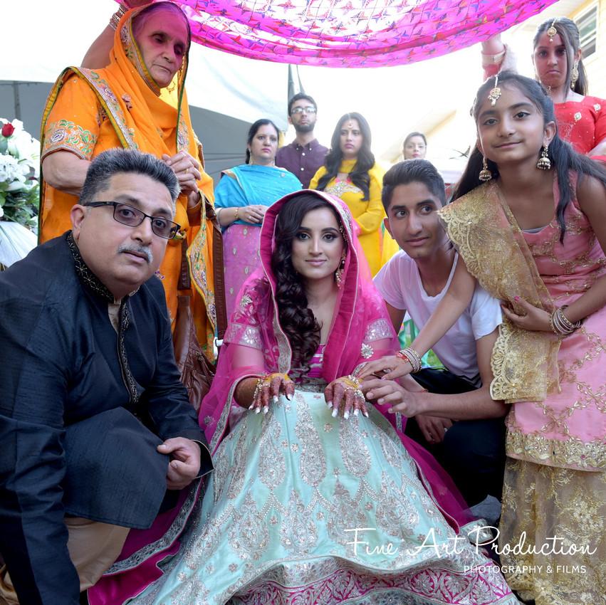 Indian-Wedding-Sangeet-Deewan-Fine-Art-Production_20
