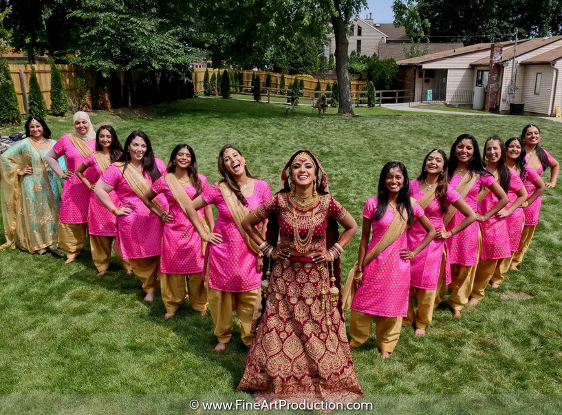 sikh-wedding-bridal-party-poses