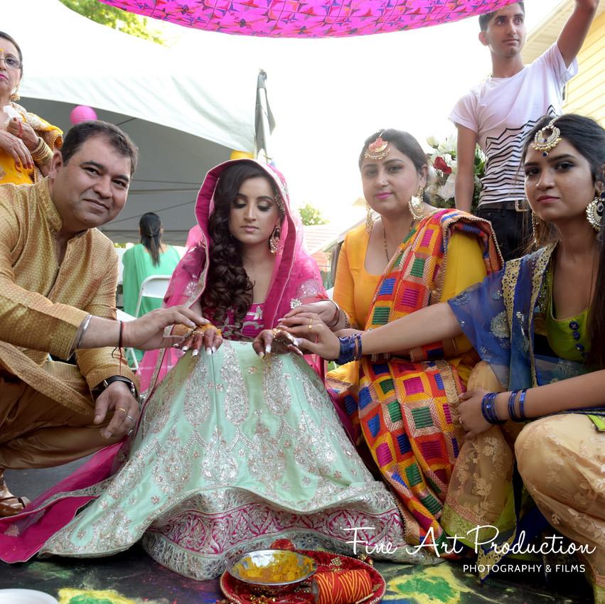Indian-Wedding-Sangeet-Deewan-Fine-Art-Production_22