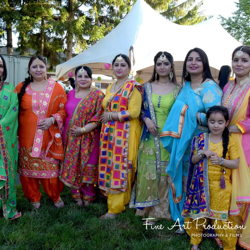 Indian-Wedding-Sangeet-Deewan-Fine-Art-Production_17