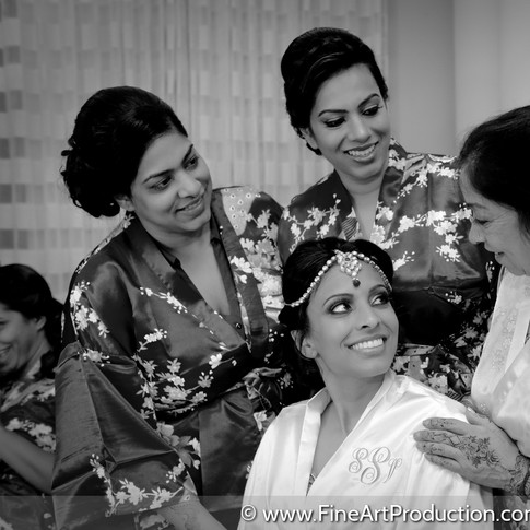 bridal-party-getting-ready-indian-bride_
