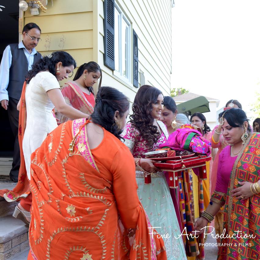 Indian-Wedding-Sangeet-Deewan-Fine-Art-Production_18