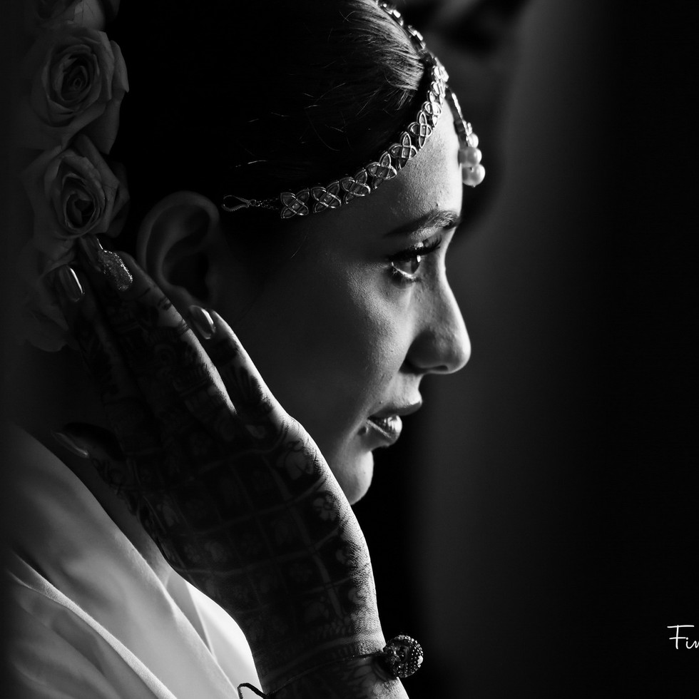 indian-bride-getting-ready-pictures_06.J