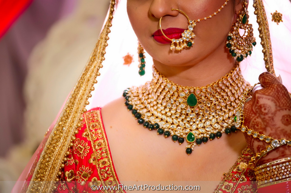 indian-bride-getting-ready-photos