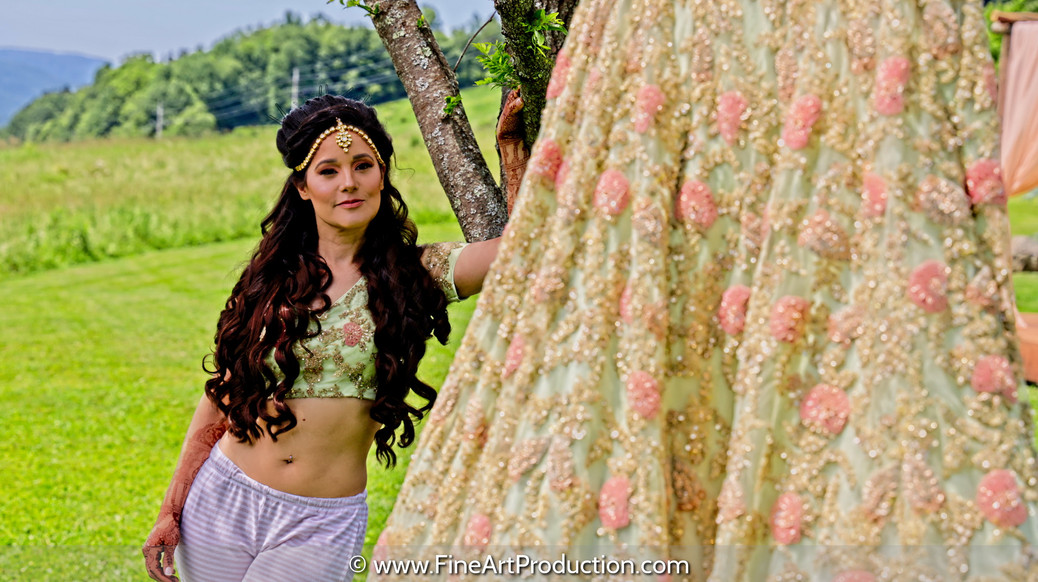 bride-posing-with-lehenga_003.jpg