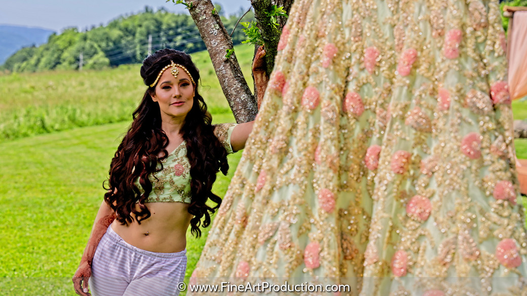 bride-posing-with-lehenga_003.jpg