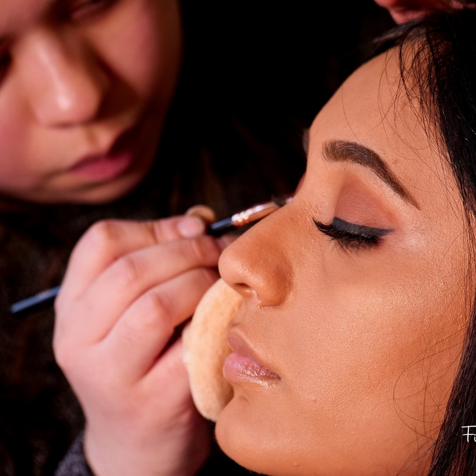 indian-bride-getting-ready-pictures_02.J