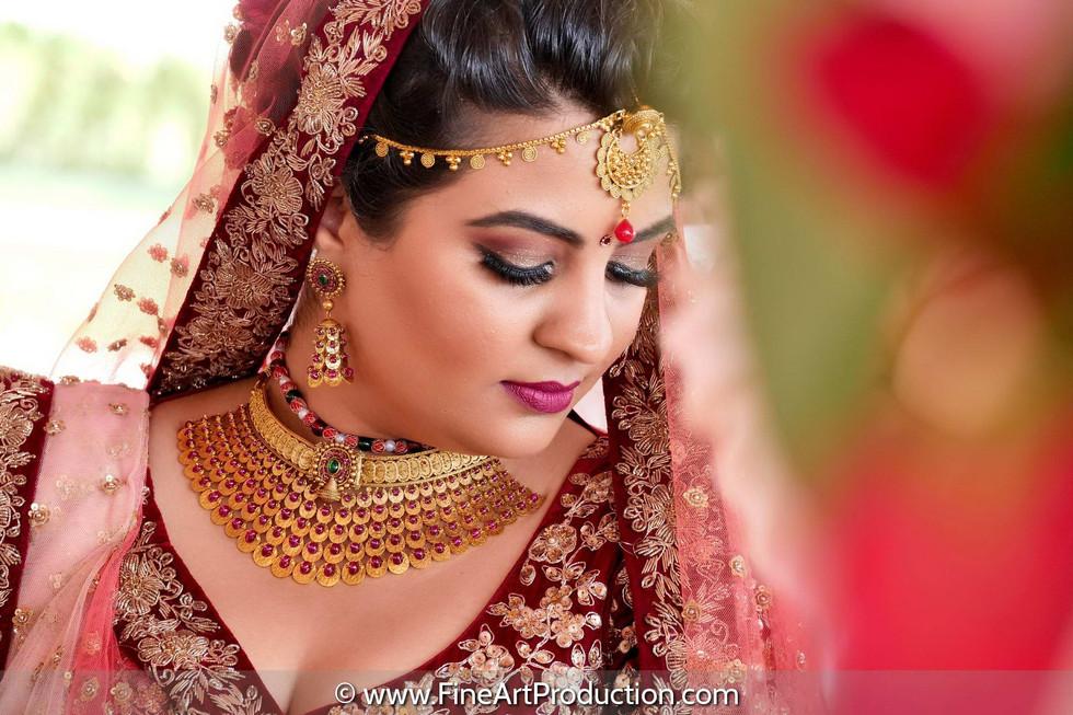 destination-indian-bride-wearing-sabyasachi