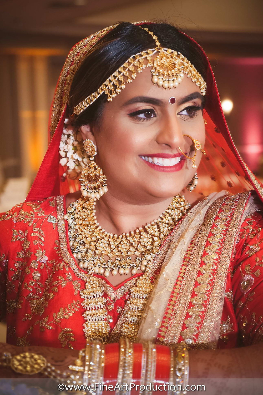 Gujarati Bride wearing indian bridal jewelry