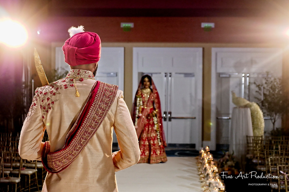 first-look-portraits-wedding-photography-chirali-thakkar-hilton-orlando-indian-wedding-photographer-fine-arts-production-lake-mary-orlando-miami-tampa-new-york-indian-wedding