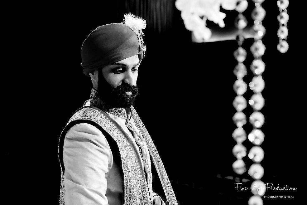 hilton-orlando-indian-groom-solo-portrait-