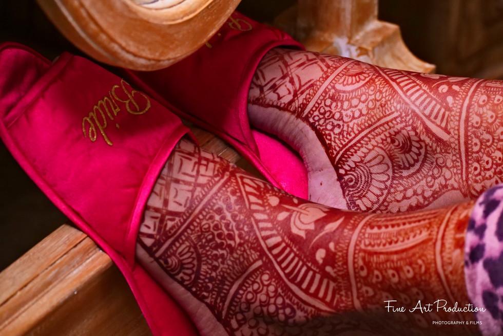 bridal-mehndi-on-feet