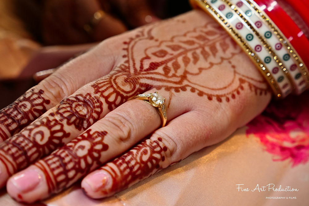 bride-mehndi