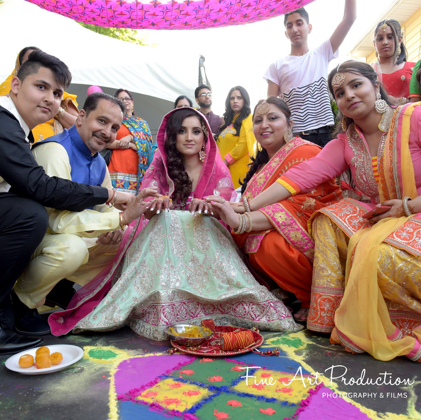 Indian-Wedding-Sangeet-Deewan-Fine-Art-Production_21