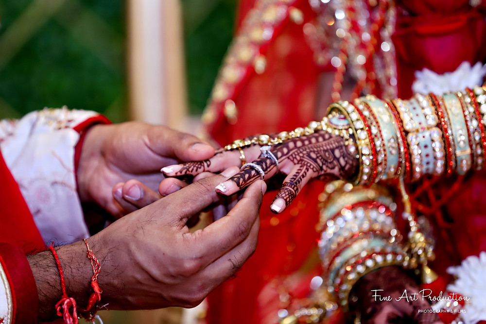 ring-ceremony-gujarati-wedding-rituals-photographer-amish-thakkar-fine-arts-production-edison-new-jersey-orlando-florida-miami-california-texas-dallas-houston-indian-wedding-photographer