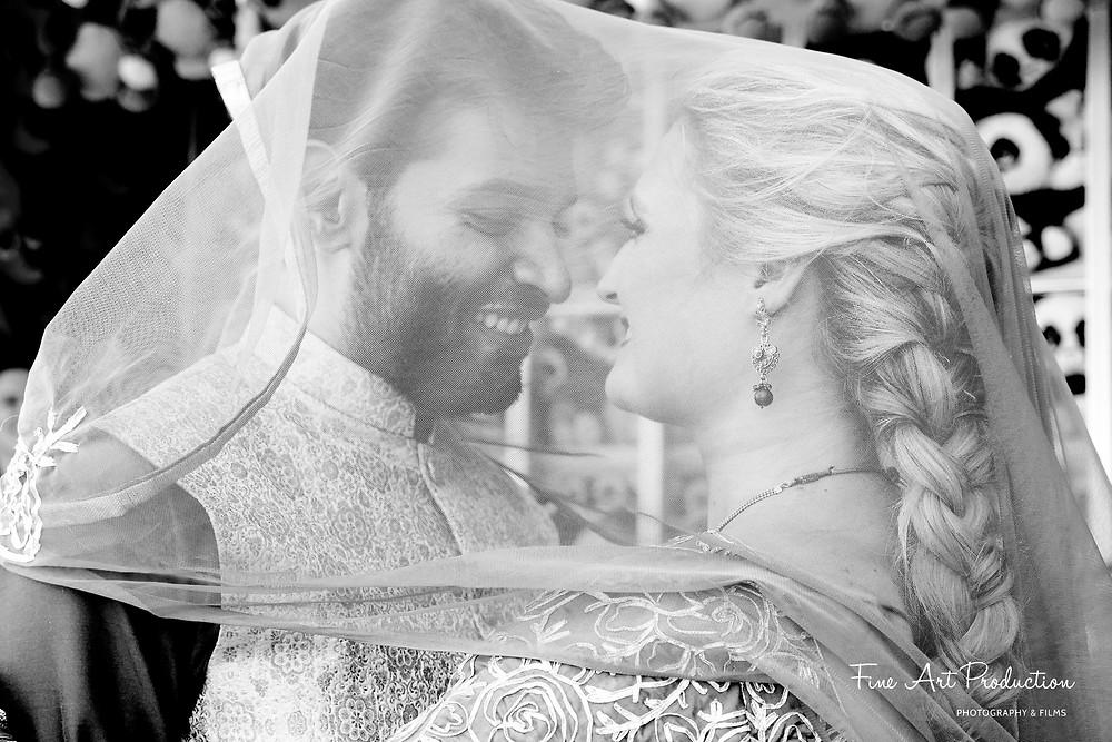 candid-atlantic-city-board-walk-indian-wedding-bride