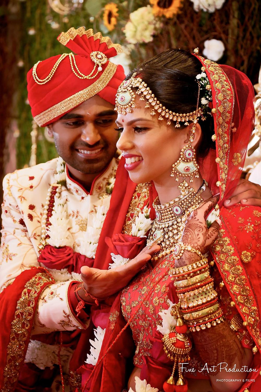 mangal-sutra-gujarati-wedding-rituals-indian-wedding-videographer-fine-arts-productions-amish-thakkar