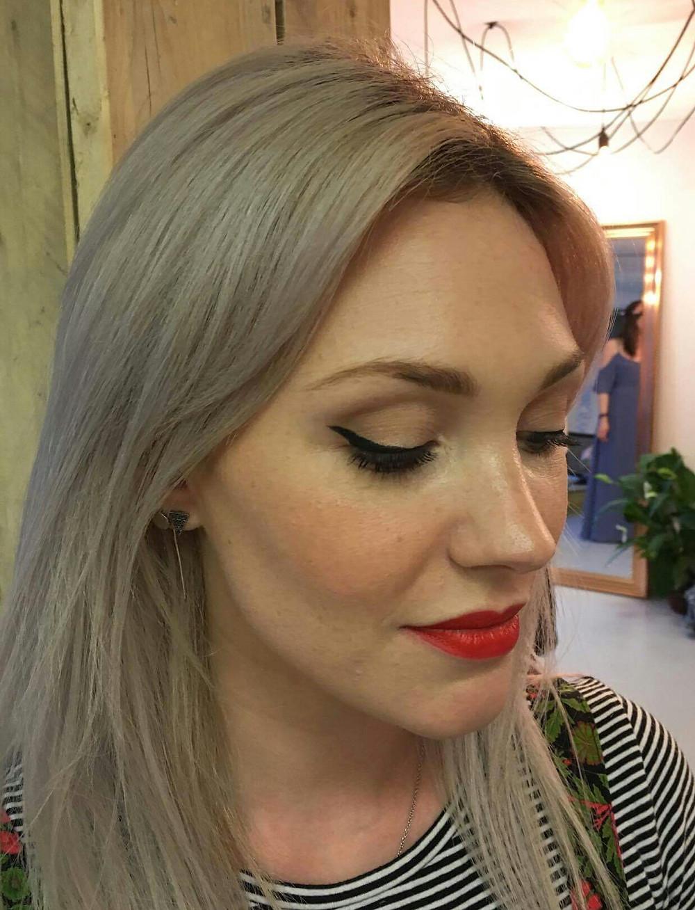 Red lips & Feline flick eyeliner