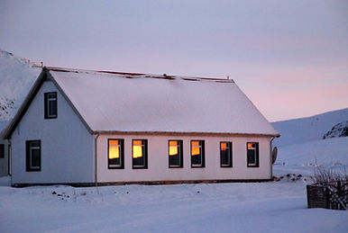 Guesthouse, Breakfast included, winter time in the snow
