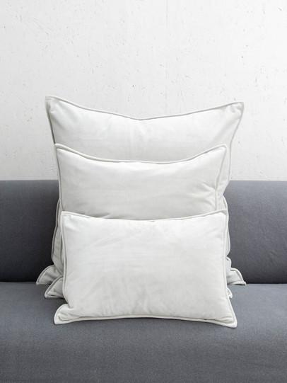 oblong velvet cushion silver.jpg