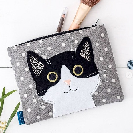 cat-embroidered-makeup-bag-by-clojo-ruth