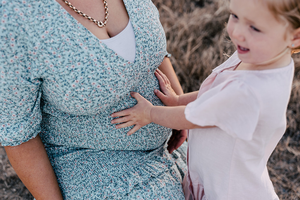 Maternity photo with kids ideas