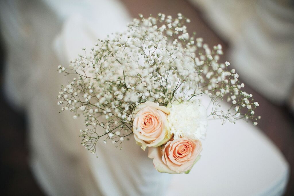 vintage rose simple pew floral decor