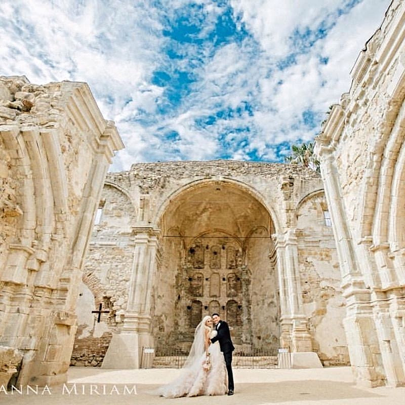 Mission San Juan Capistrano Wedding by Dolce Vita Events. Photo credit Joanna Miriam