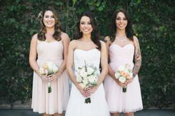 Vintage Chic bride and bridesmaids