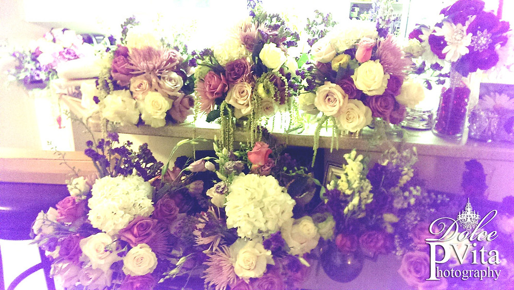 Dolce Vita Events floral design wedding package centerpieces with lavender and lilac roses, hydrangea and cala lilies